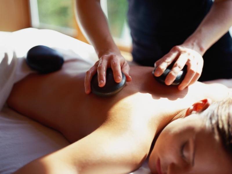 spokane-massage-hot-stone-deep-tissue