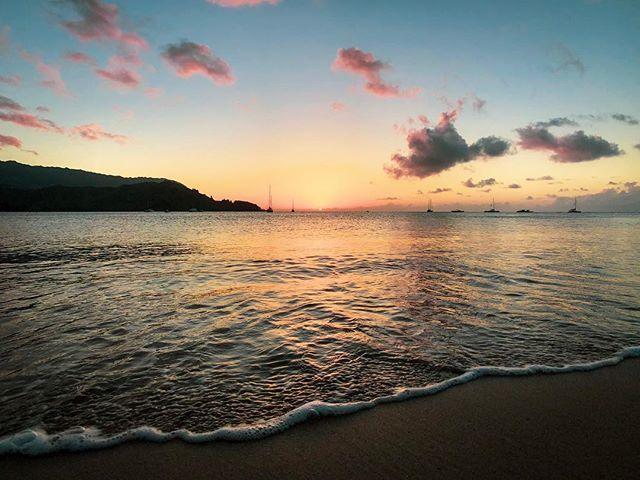 Hawaiian Sunset :: 🙄👌 . . . #shotonmoment