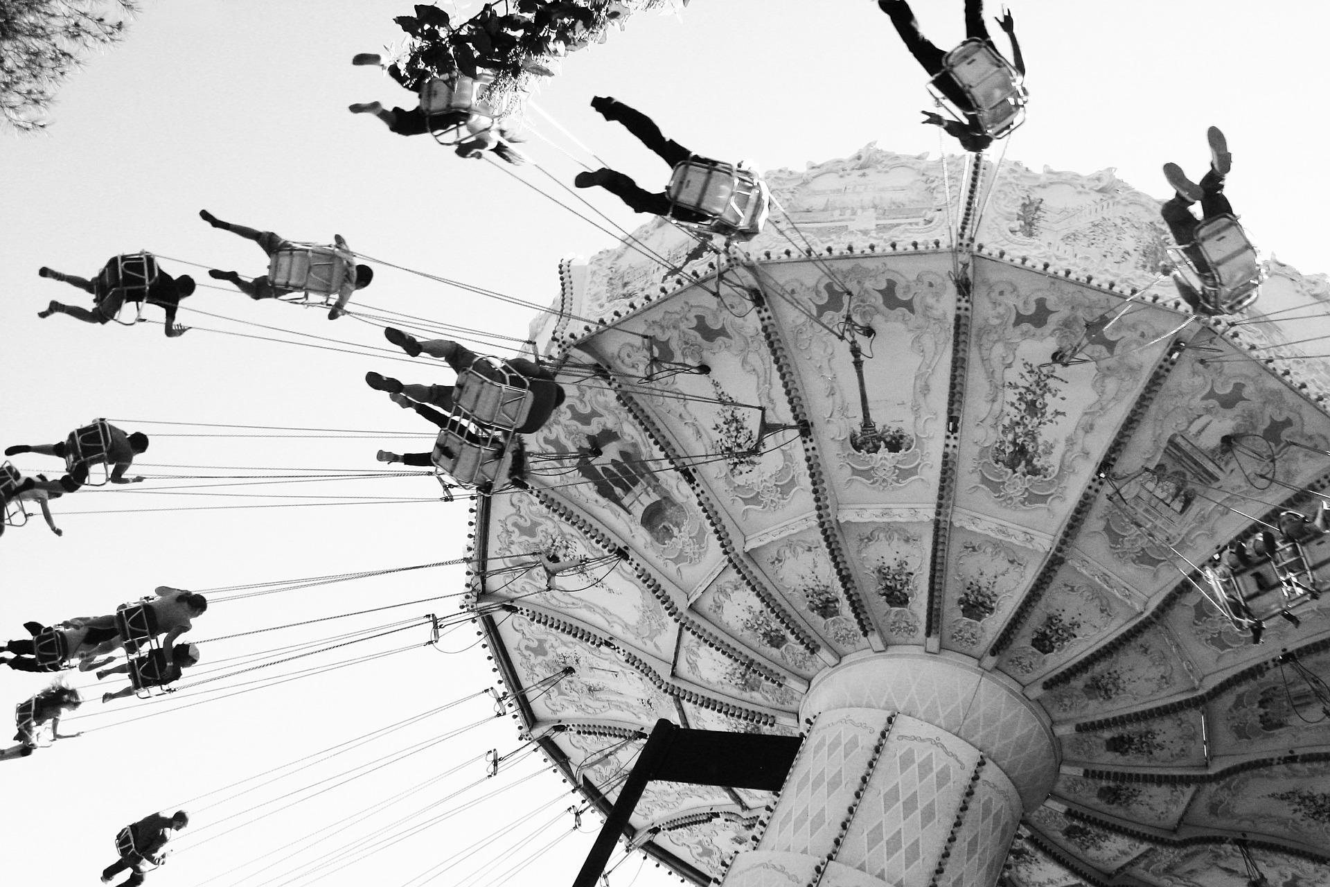 attractions-620349_1920.jpg