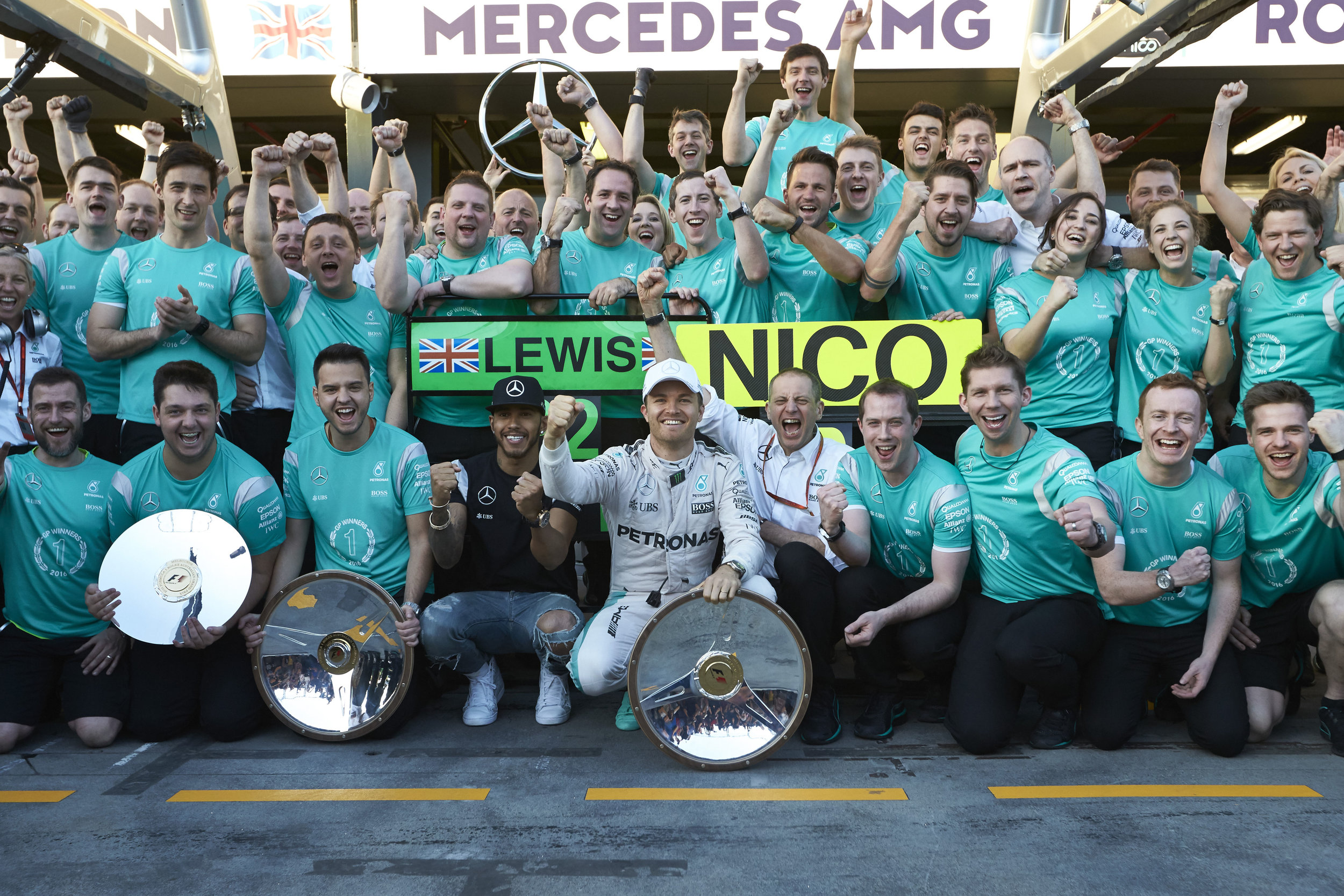 Nico wins, Hamilton second at Albert Park (Pic: Mercedes)