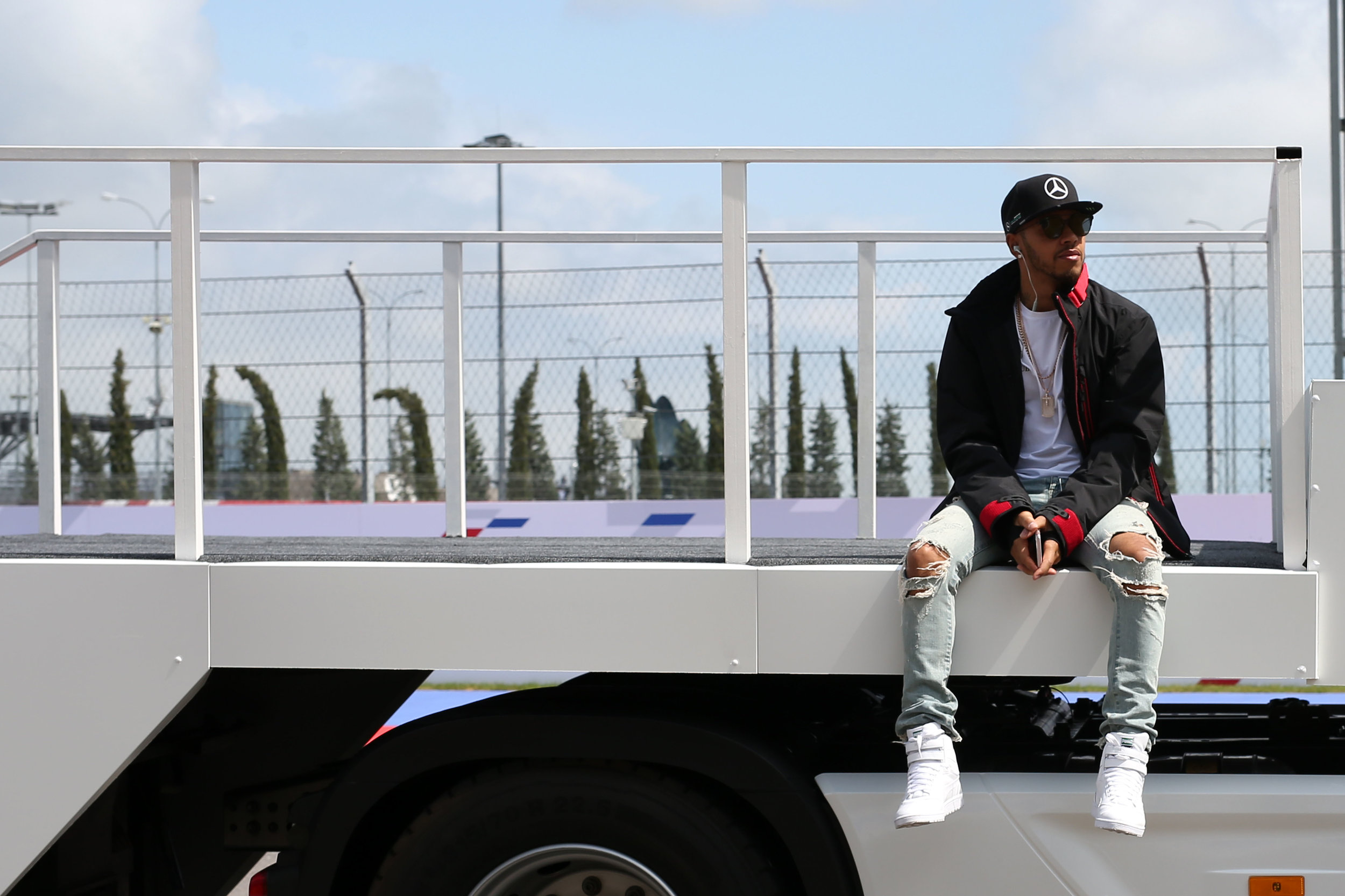 Lewis Hamilton dreams in vain of reliability in his car and in the knees of his jeans. (pic: Mercedes)