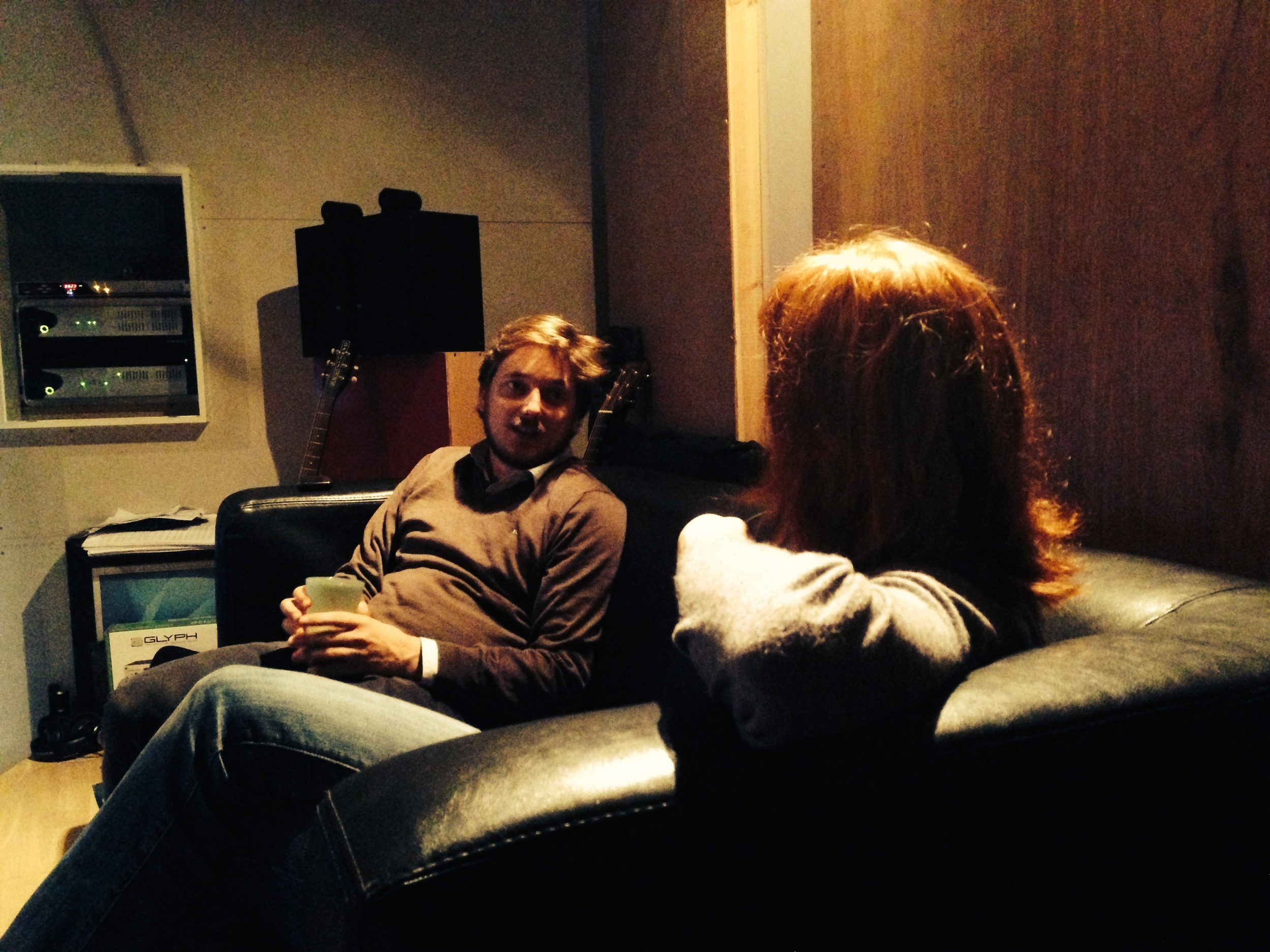 Uffe og Cecilie snakker.jpg