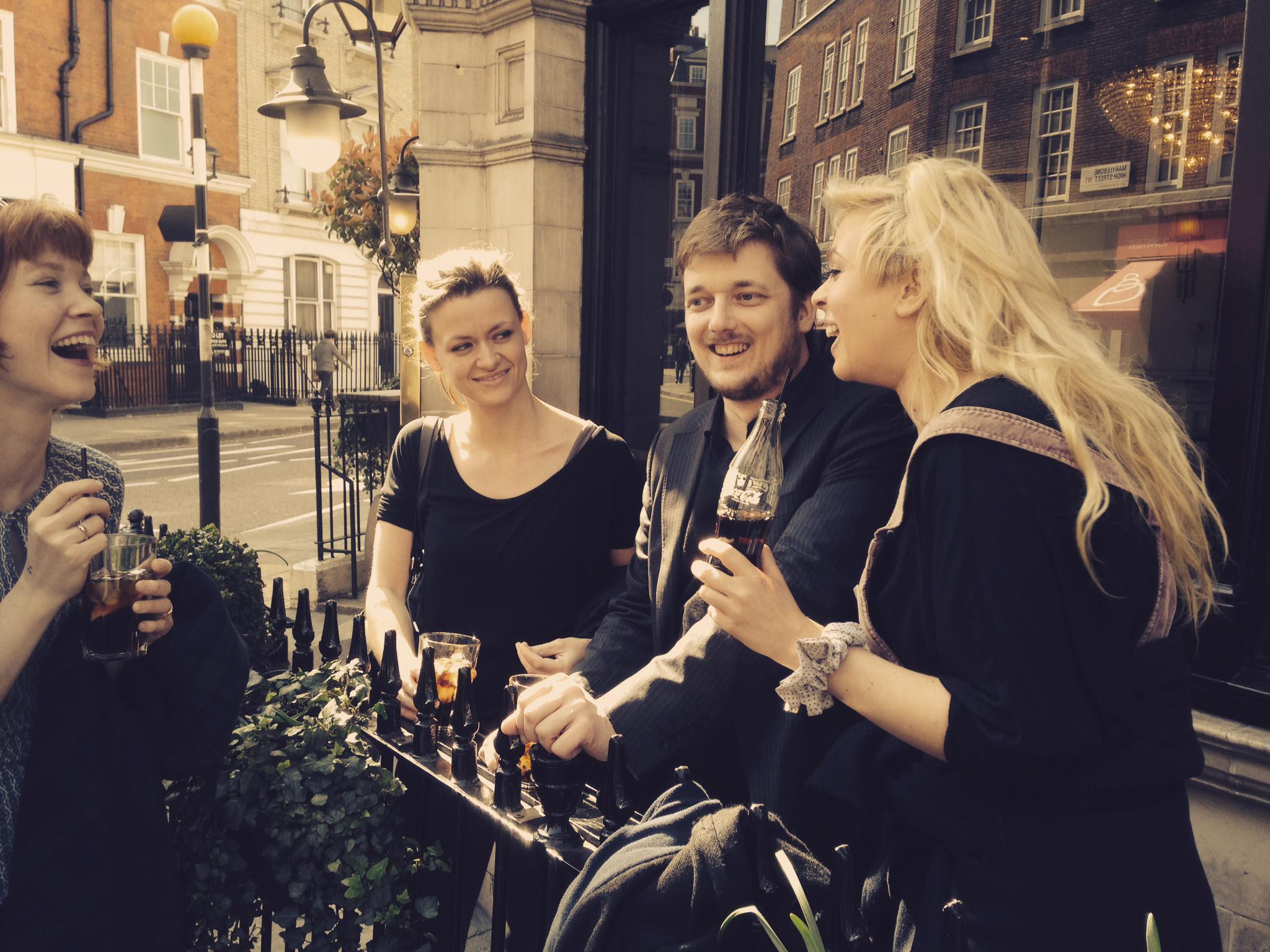 Cecilie, Ingeborg, Uffe og Sofie griner - London.jpg