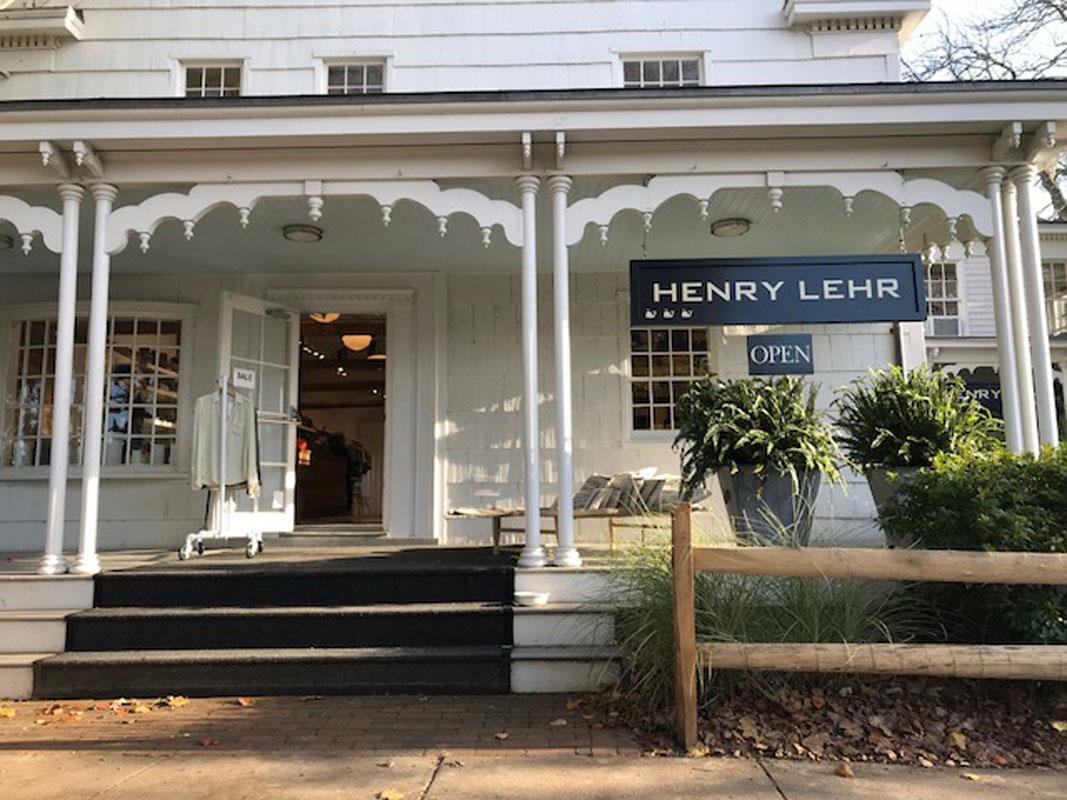 Hamptons_Amagansett_Square_Henry_Lehr_Womens_02.jpg