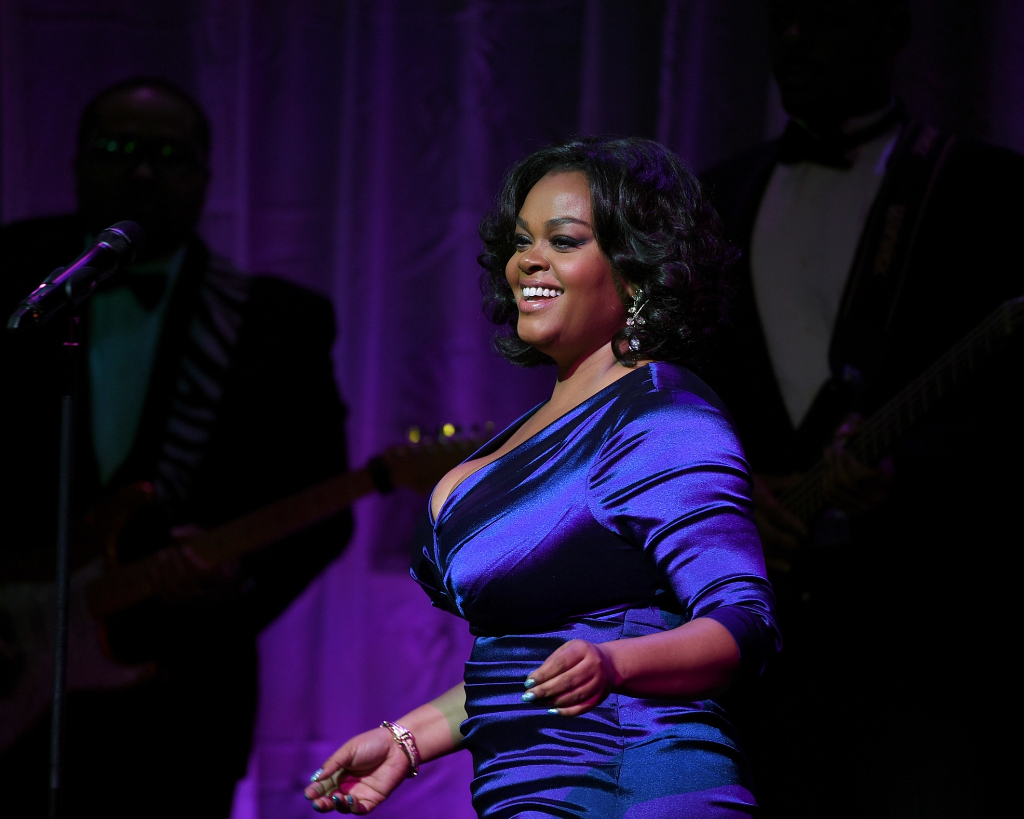 Jill Scott performs at the 2014 UNICEF Snowflake Ball ©2014 Bryan Bedder/Getty Images for UNICEF
