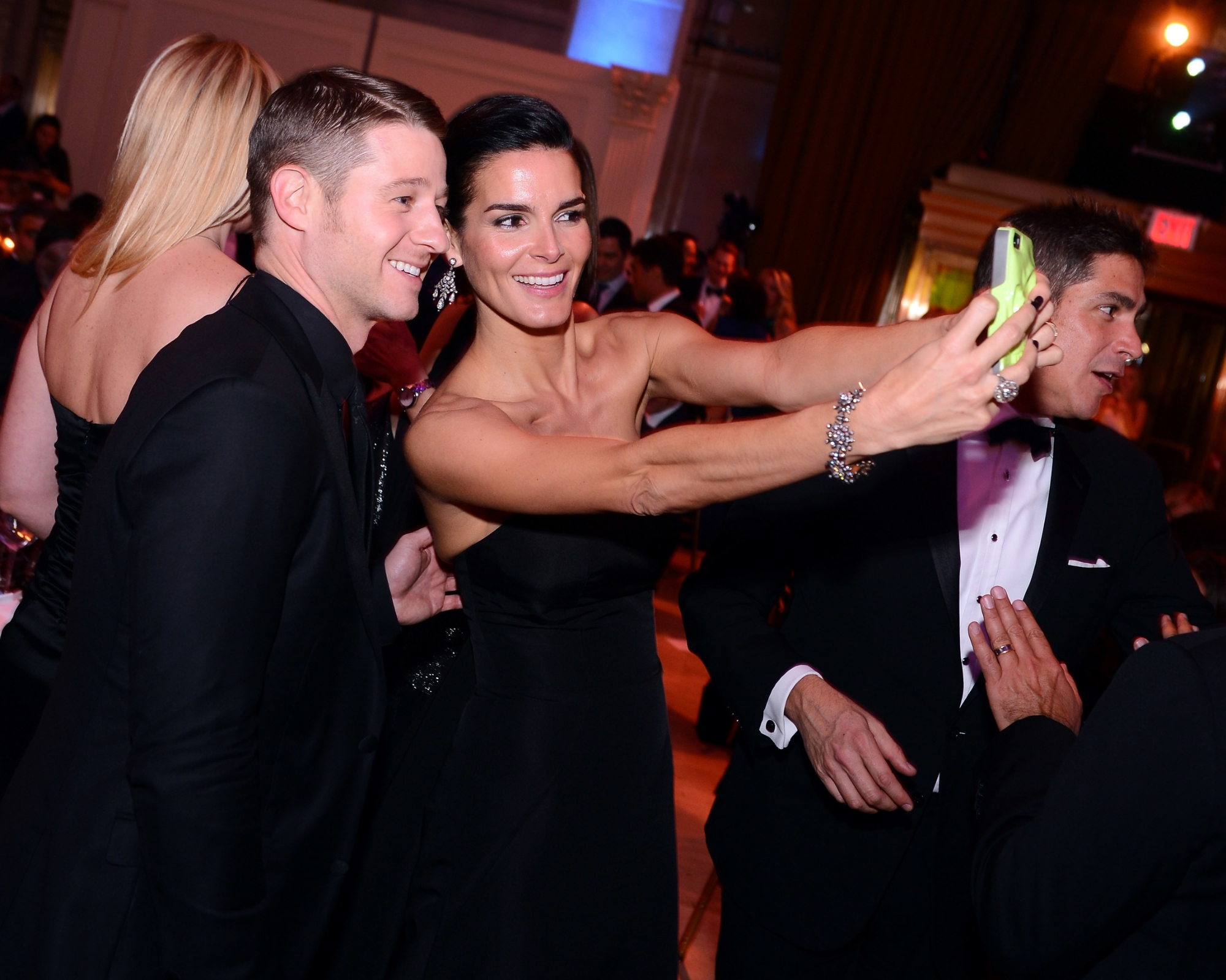 Ben McKenzie and Angie Harmon © 2014 Stephen Lovekin/Getty Images for UNICEF