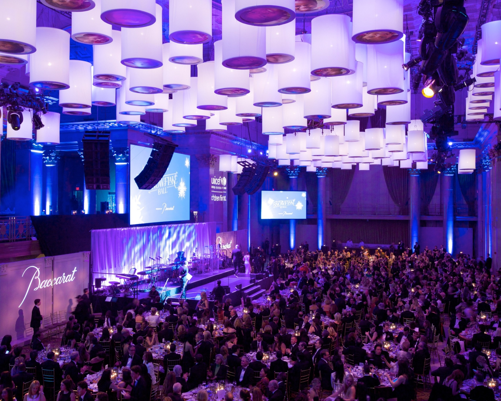Décor at the 2014 UNICEF Snowflake Ball © 2014 Julie Skarratt Photography Inc./U.S. Fund for UNICEF