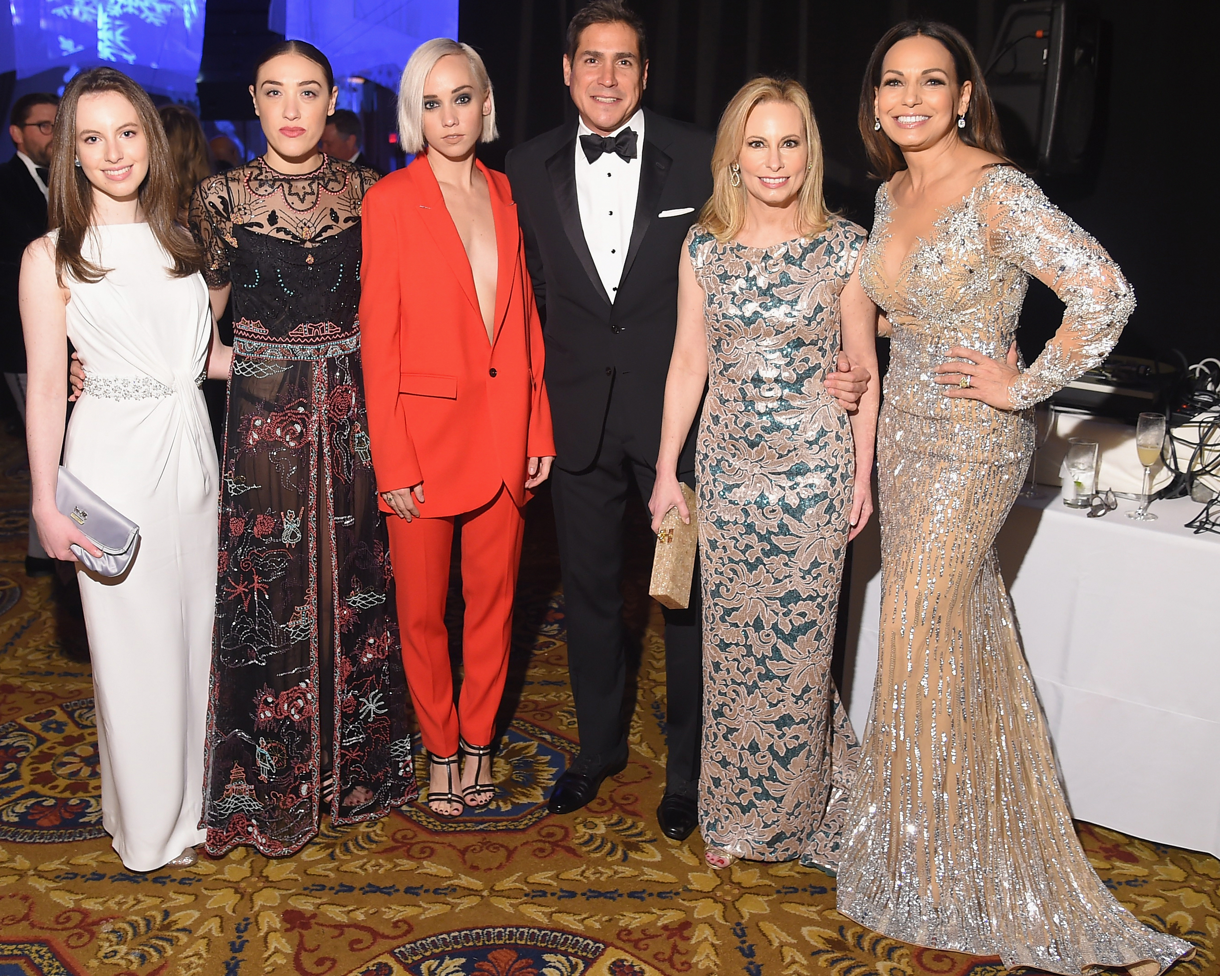 Serena Miniter, Mia Moretti & Caitlin Moe of The Dolls, Jaime Jimenez, and Gala Co-Chairs Gillian Miniter and Moll Anderson ©2015 Michael Loccisano/Getty Images for UNICEF