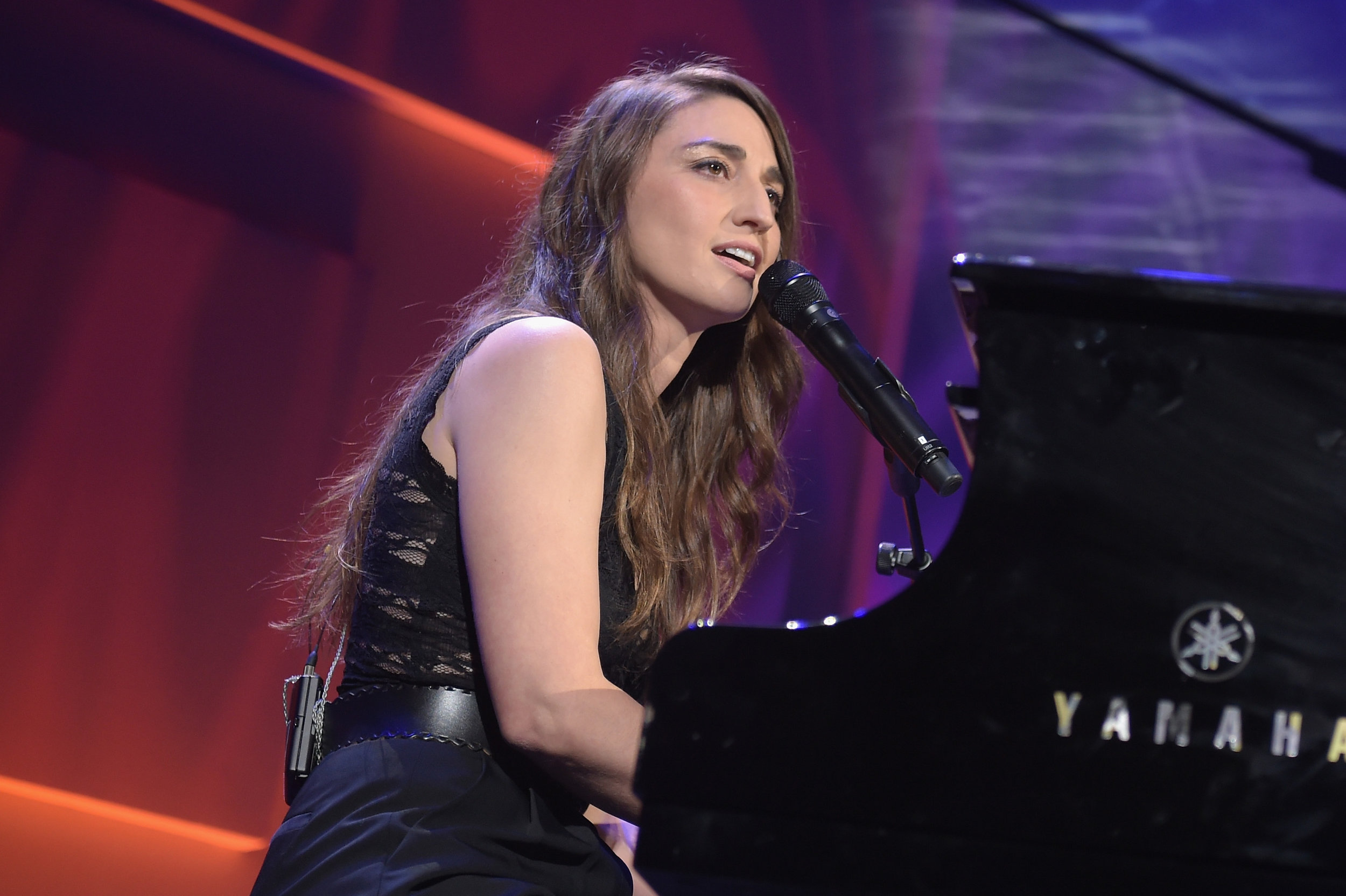 Sara Bareilles performs on stage during the 12th annual UNICEF Snowflake Ball at Cipriani Wall Street on November 29, 2016 in New York City. (Photo by Jason Kempin/Getty Images for UNICEF)