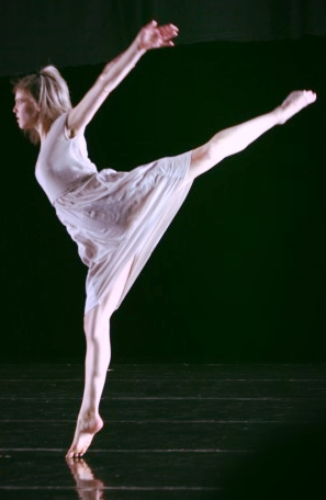 Photo by Bill Hebert, courtesy of Doug Varone and Dancers
