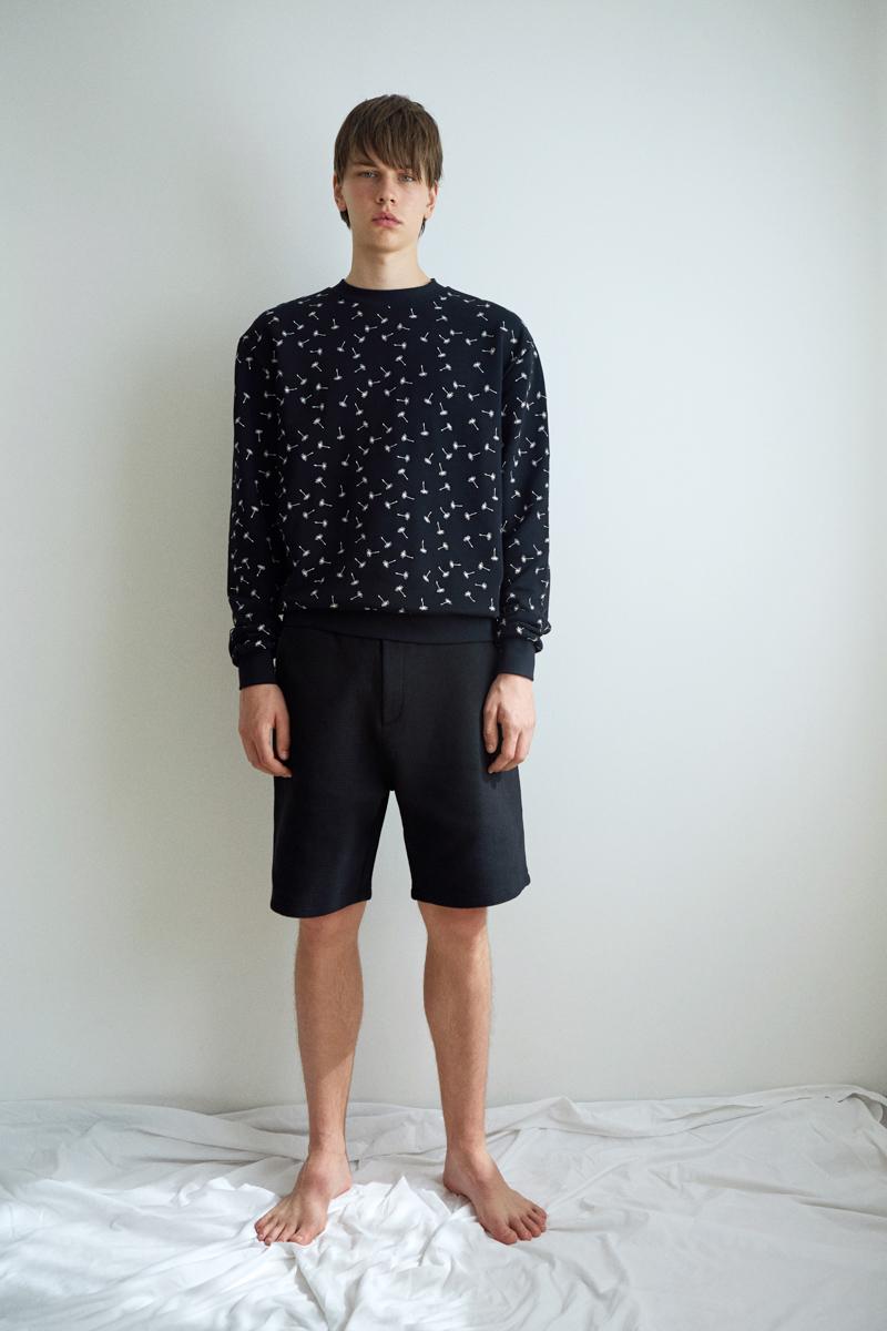 Ashley Marc Hovelle Soffioni wishes embroidered Sweathshirt and waffle shorts black 0069 final.jpg