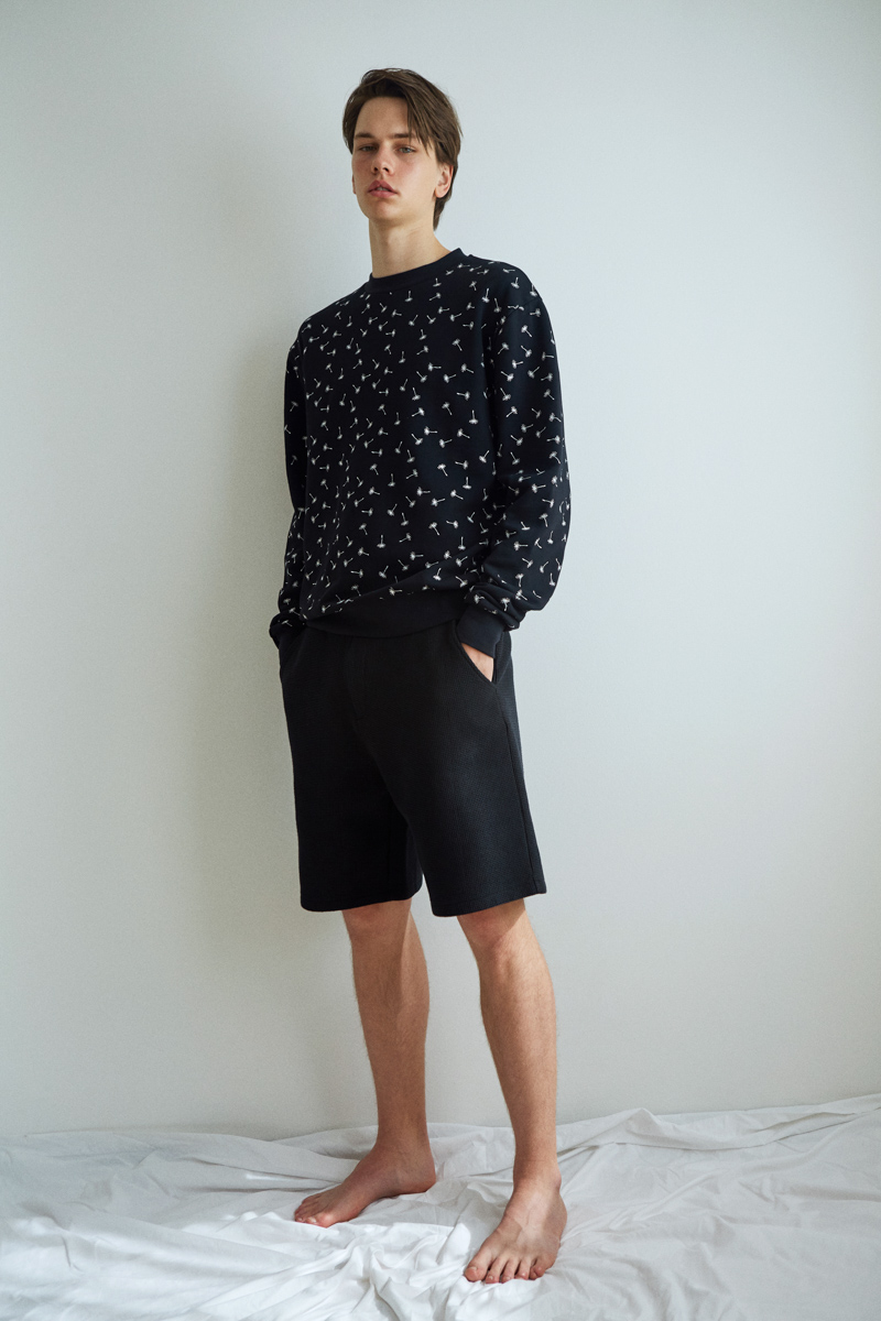 Ashley Marc Hovelle Soffioni wishes embroidered Sweathshirt and waffle shorts Black Yellow0044 final.jpg