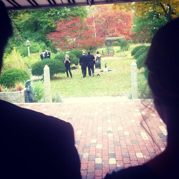 Live tweeting @gavinspeiller 's wedding.