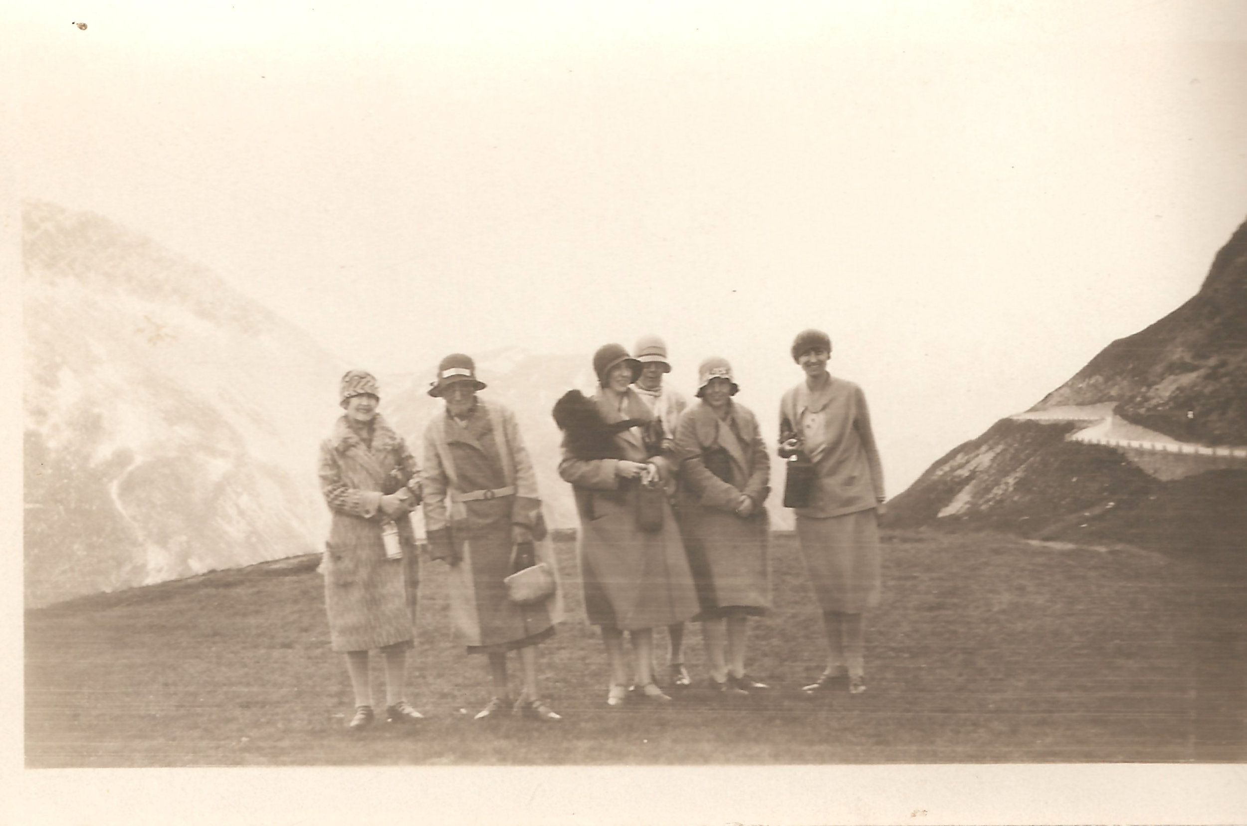 Group photo at the top of the mountain. Evelyn Hazen may very well be taking the photograph.