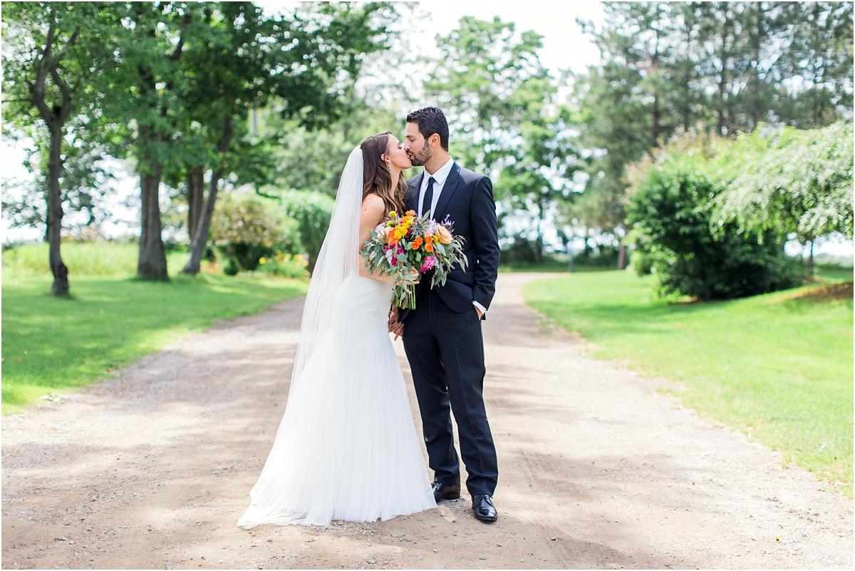 Michigan-Barn-Wedding-at-Wildwood-Family-Farms-by-Tifani-Lyn-Photography_0014.jpg