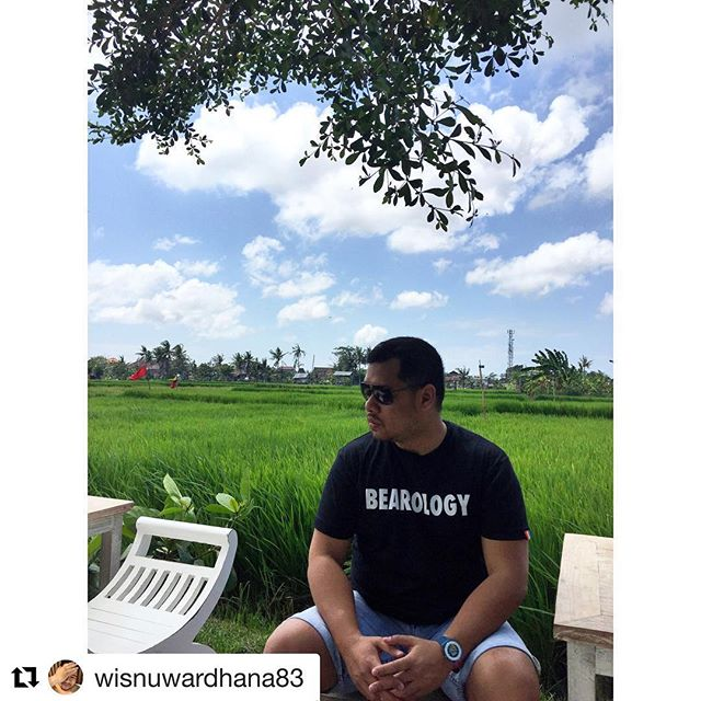 #Repost Spot Mr. @wisnuwardhana83 in our BEAROLOGY Classic Tee.  When it's a nice day out, show off your BEAROLOGY tee and CHILL like a BEAR!  Grab you own and join the vibe: http://www.bearology.asia