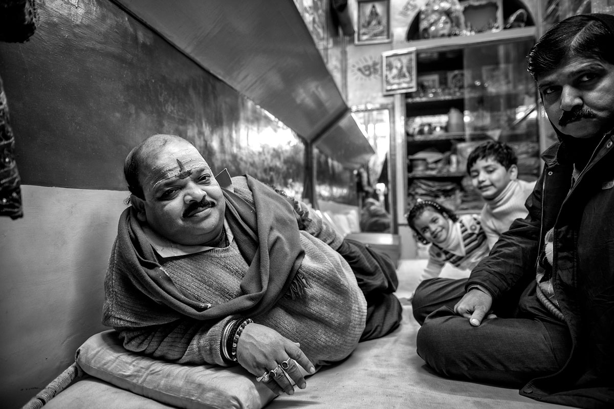 Browse my archive of January 2013 photos from Varanasi. In the thousands of small streets of the town there are hundreds of small shops, where there are all kinds of things to buy from toys to diamonds. Here you can always engage in exciting and enjoyable talks.