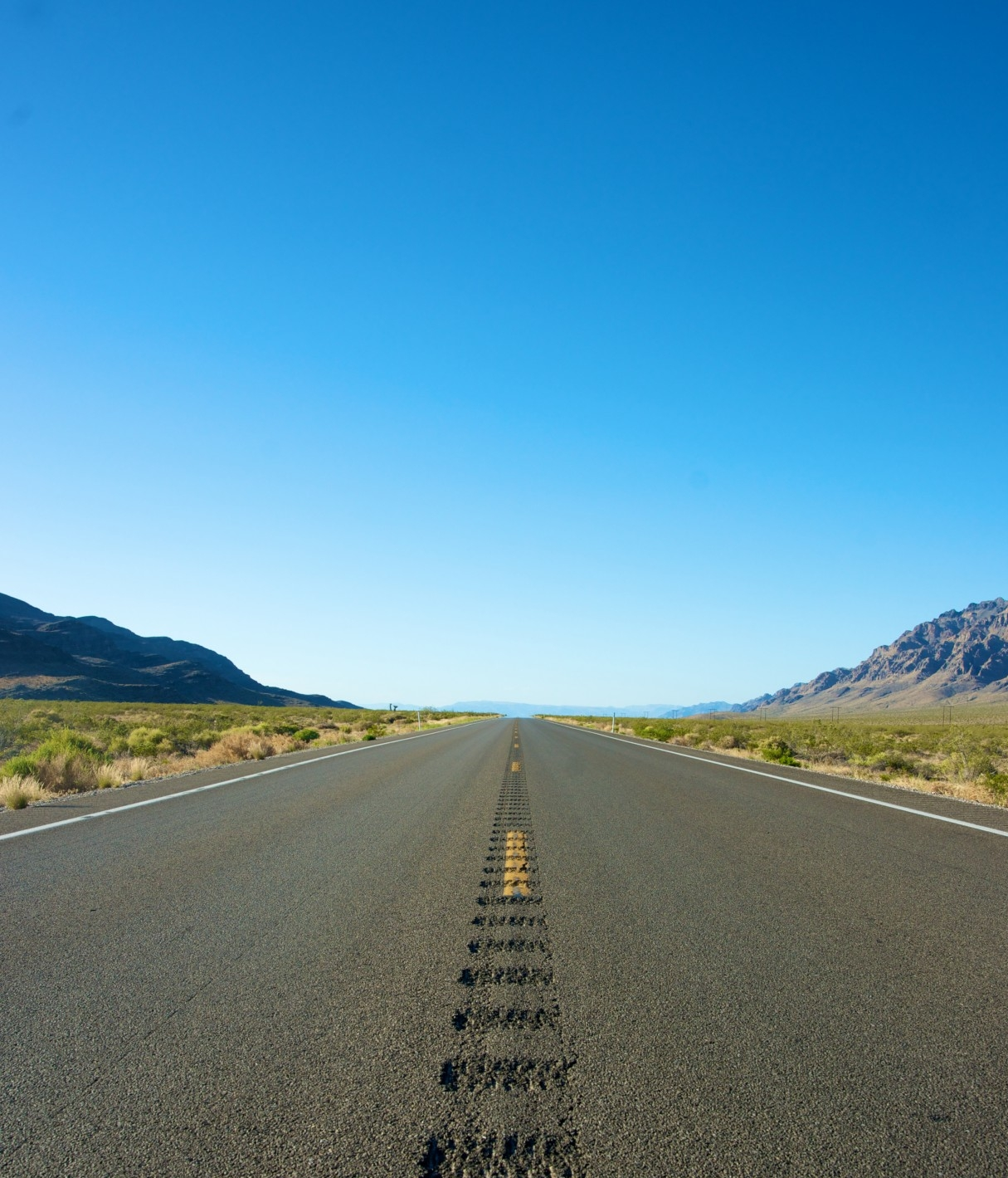 vertical-road-into-the-distance.jpg