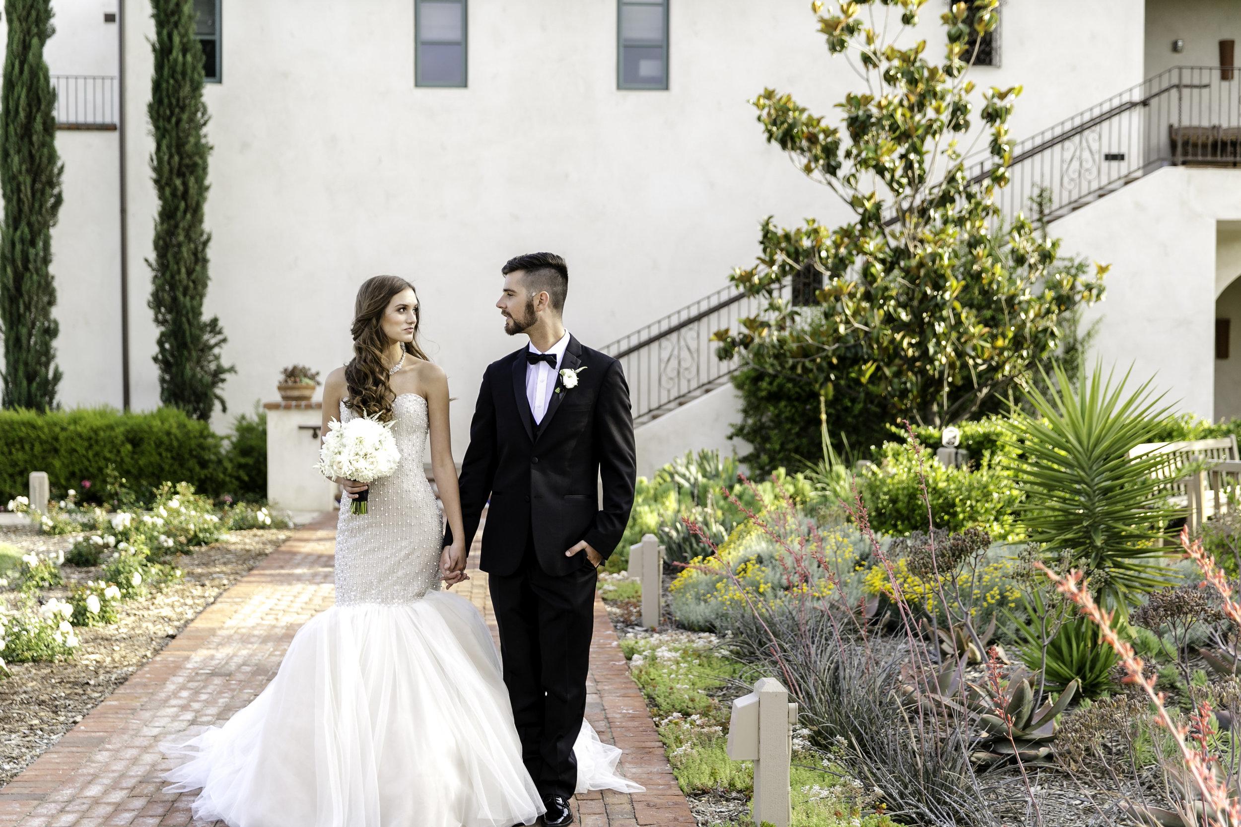 Glamorous White Wedding | Michelle Garibay Events | Ponte Vineyard Inn