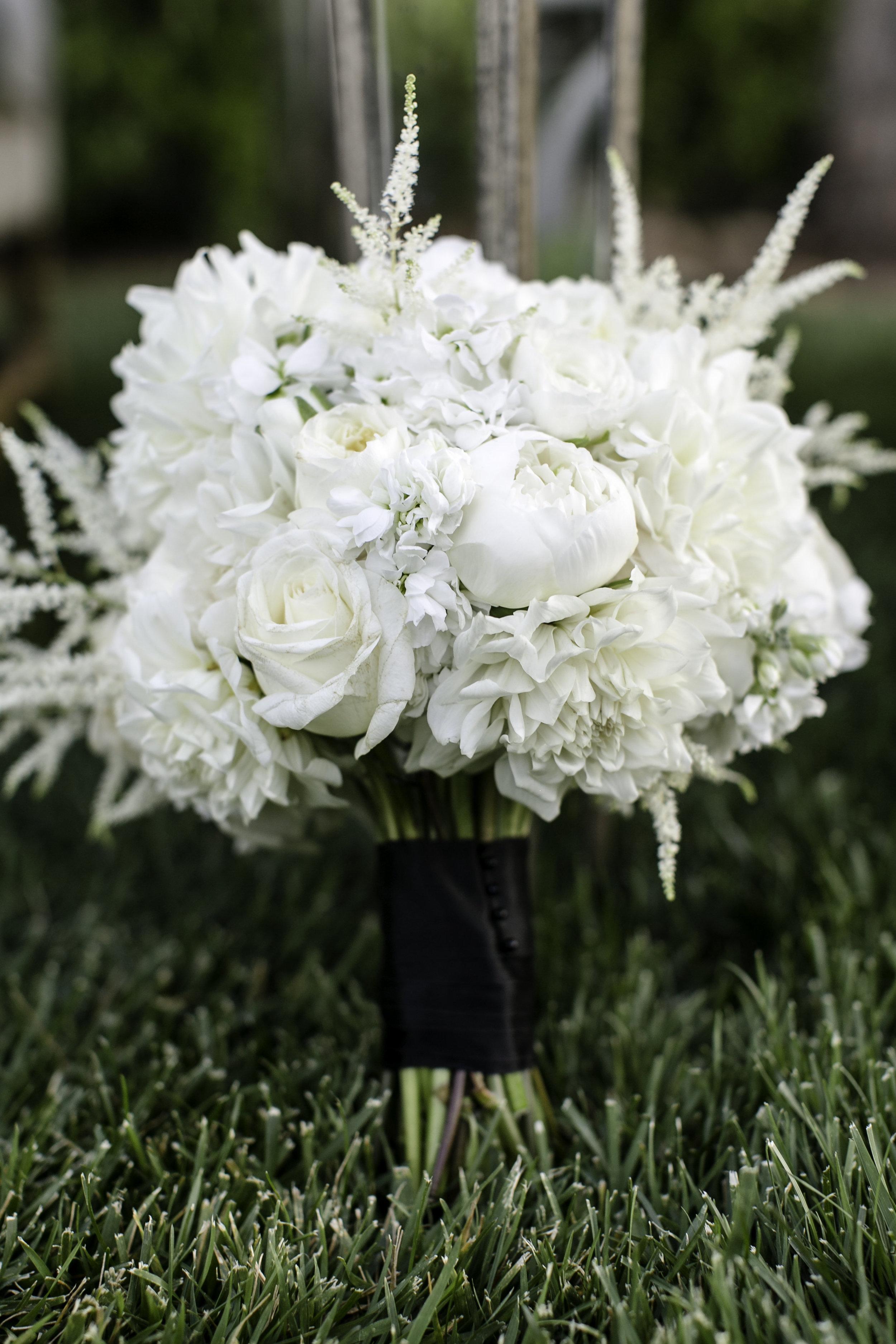 Glamorous White Bouquet | Michelle Garibay Events | Ponte Vineyard Inn