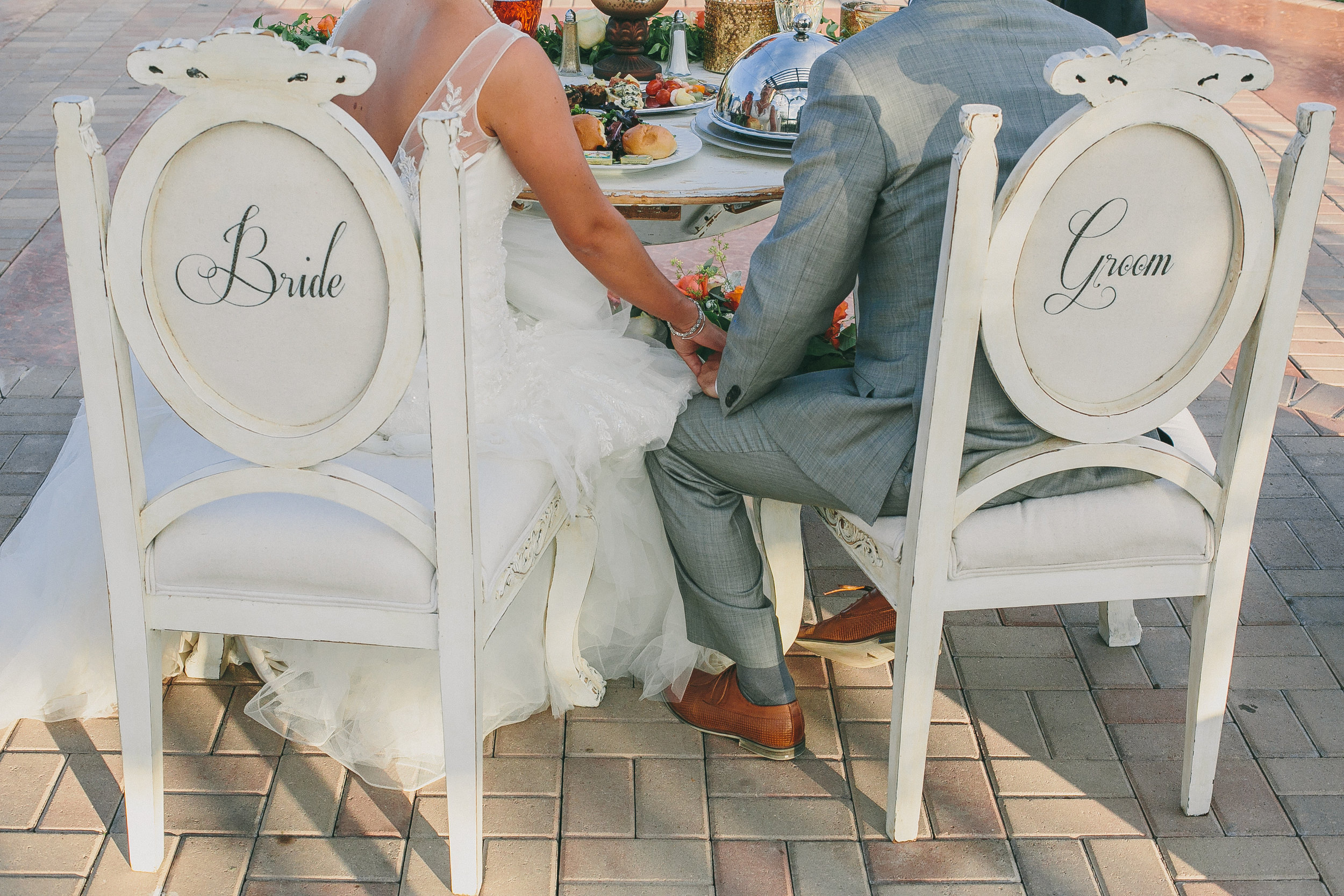 Vintage Bride and Groom Sweetheart Chairs | Michelle Garibay Events | Madam Palooza
