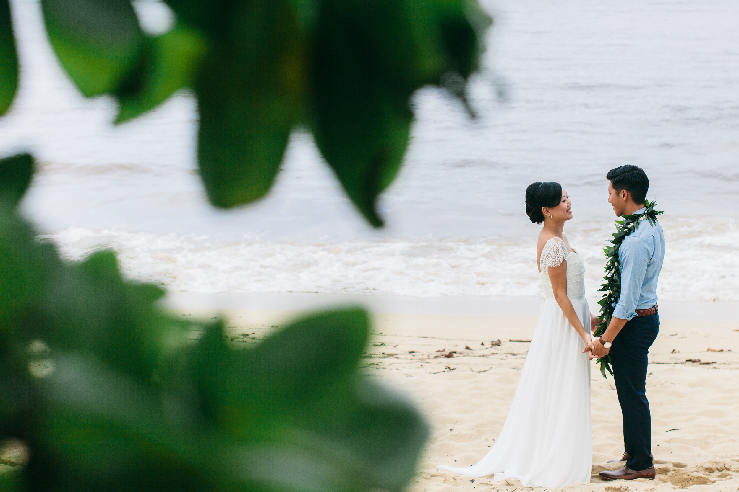 Beach First Look | Boho Chic Oahu Beachfront Wedding | Michelle Garibay Events