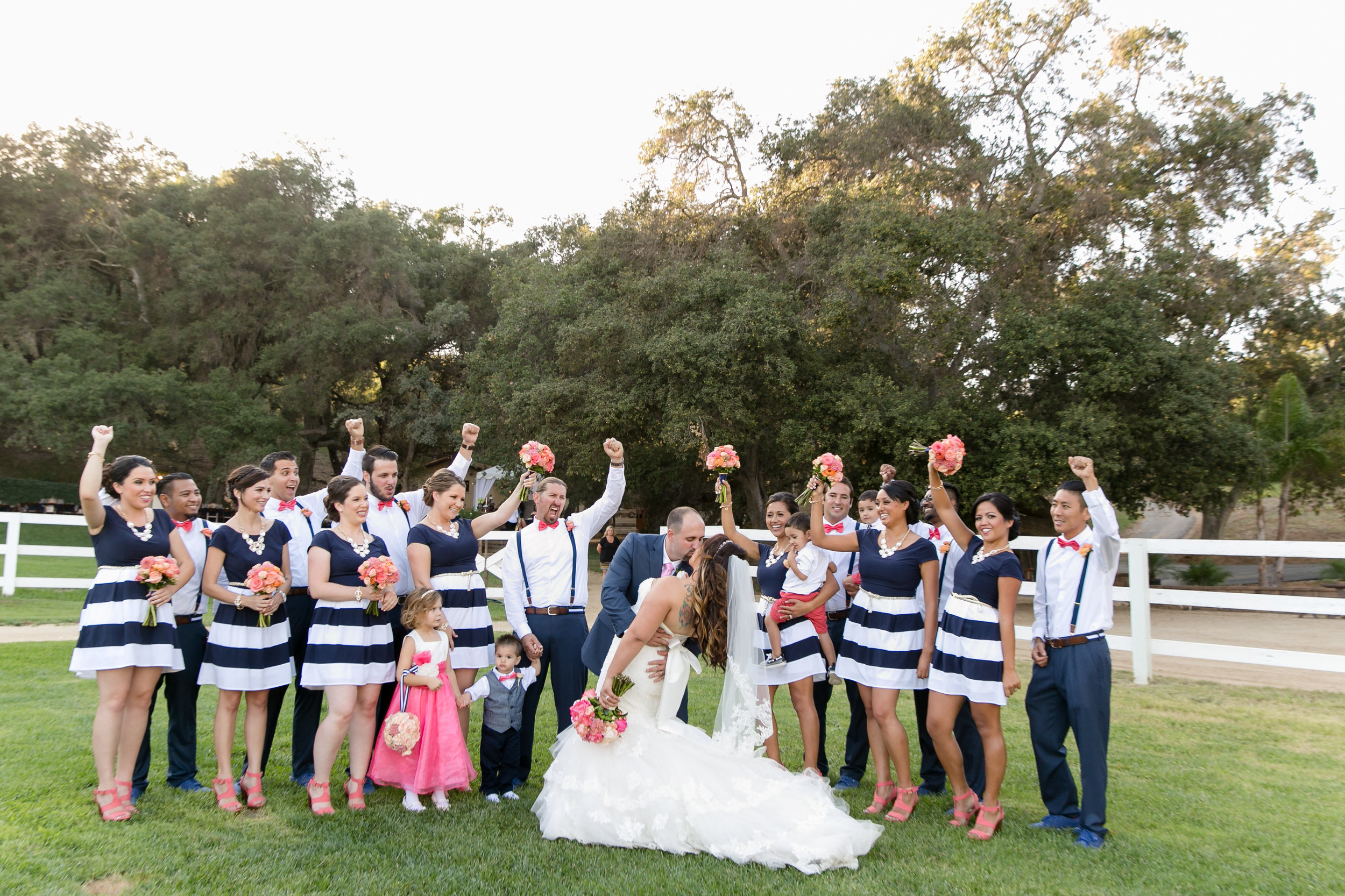 Nautical Glam Wedding in Coral and Navy |  Michelle Garibay Events | Circle Oak Ranch