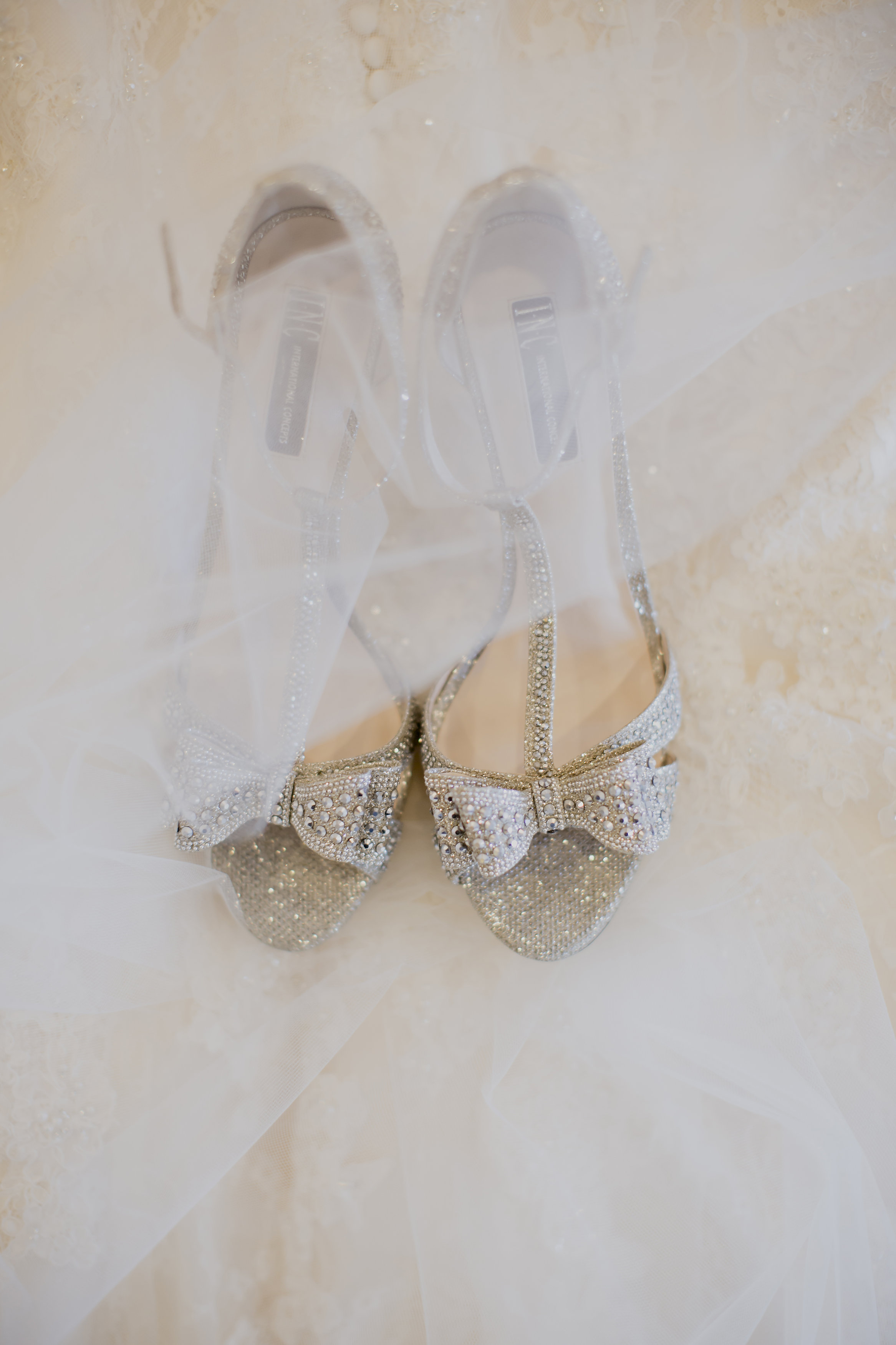 Silver Sparkle Bridal Shoes | Temecula Private Estate Wedding | Michelle Garibay Events