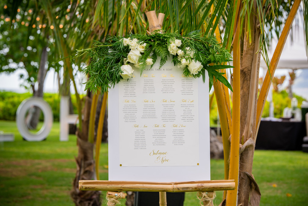 White and Gold Oahu Wedding | Kayla Maree Photography | Michelle Garibay Events