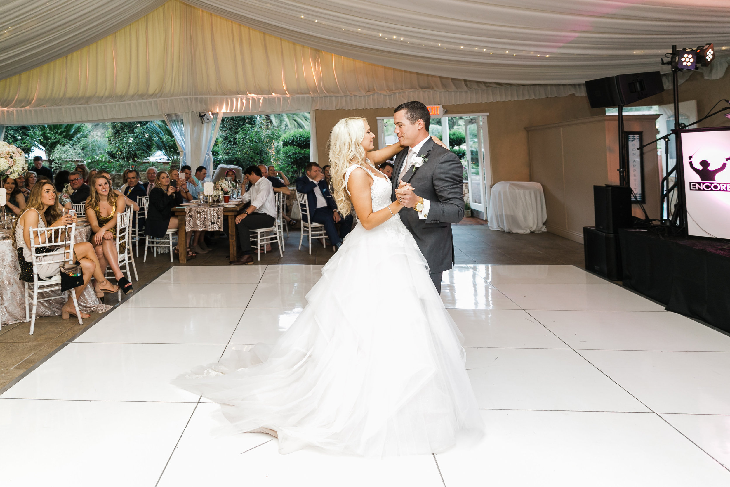 NFL Player Wedding in White and Blush | Leah Marie Photography | Michelle Garibay Events