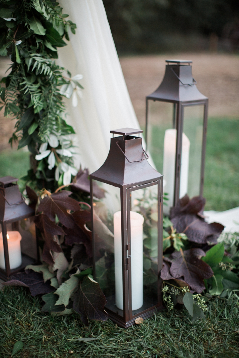 Glamorous Garden Wedding in White and Gold | Jenna Joseph Photography | Michelle Garibay Events | Temecula Creek Inn