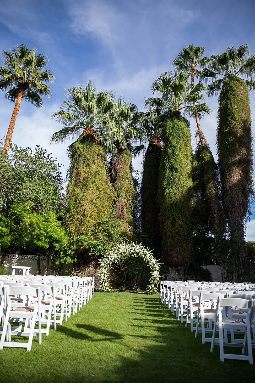 White and Rose Gold Ingleside Inn Palm Springs Wedding | Leah Marie Photography | Cara Goset of Michelle Garibay Events