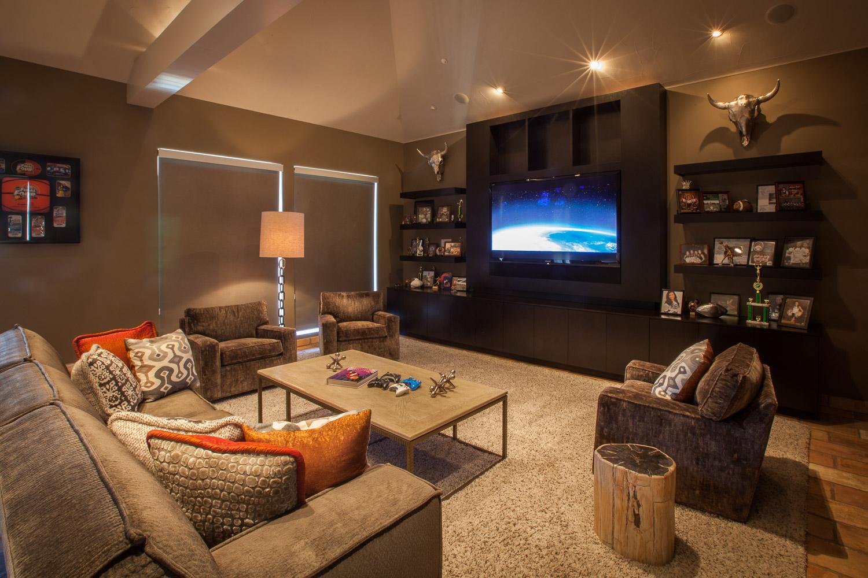 Surround-room-den-Vaquero.jpg