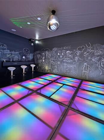 Surround-room-Vaquero-disco.jpg