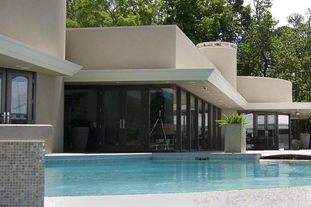 Outdoor-technology-lake-House.jpg