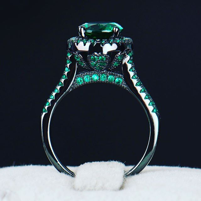 Absolutely in love with #emerald on black! #emeraldring