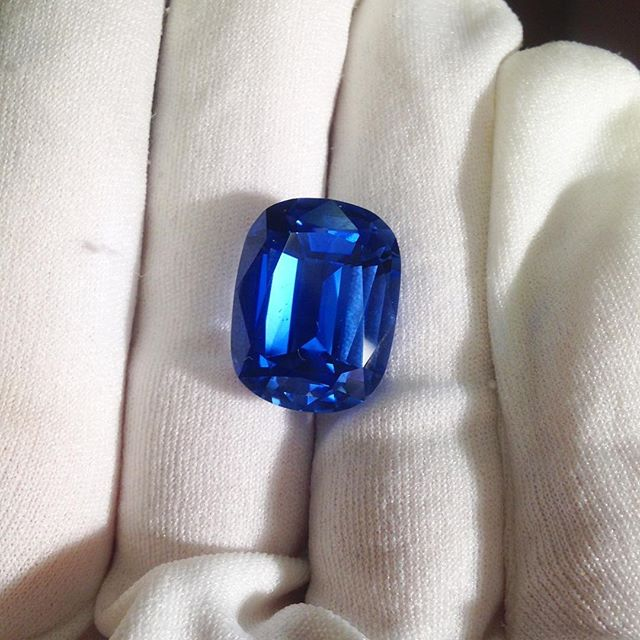 This beauty is a GIANT blue beryl! But it will fade in the sun. It's a night only stone, despite it being so gorgeous. Imagine this beauty in an engagement ring?