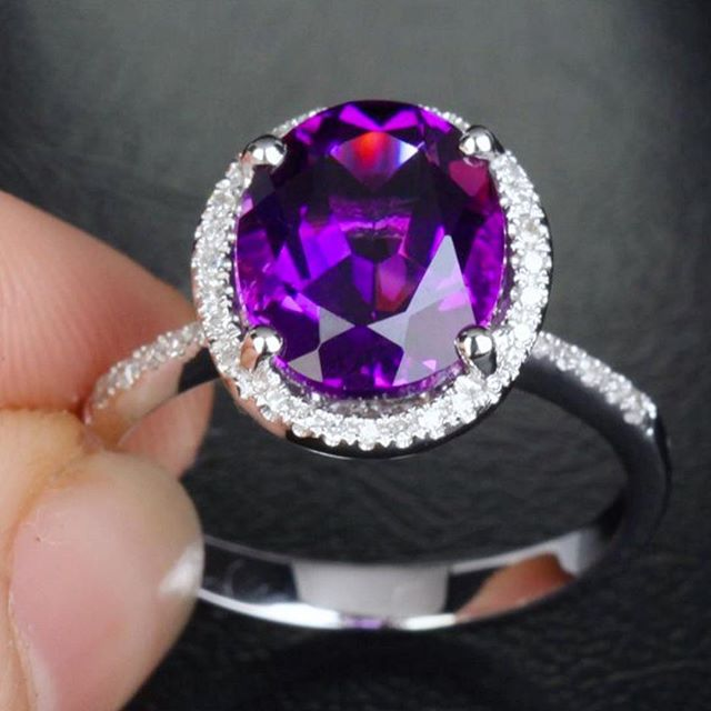 Can we just take a moment and get lost in this #amethyst