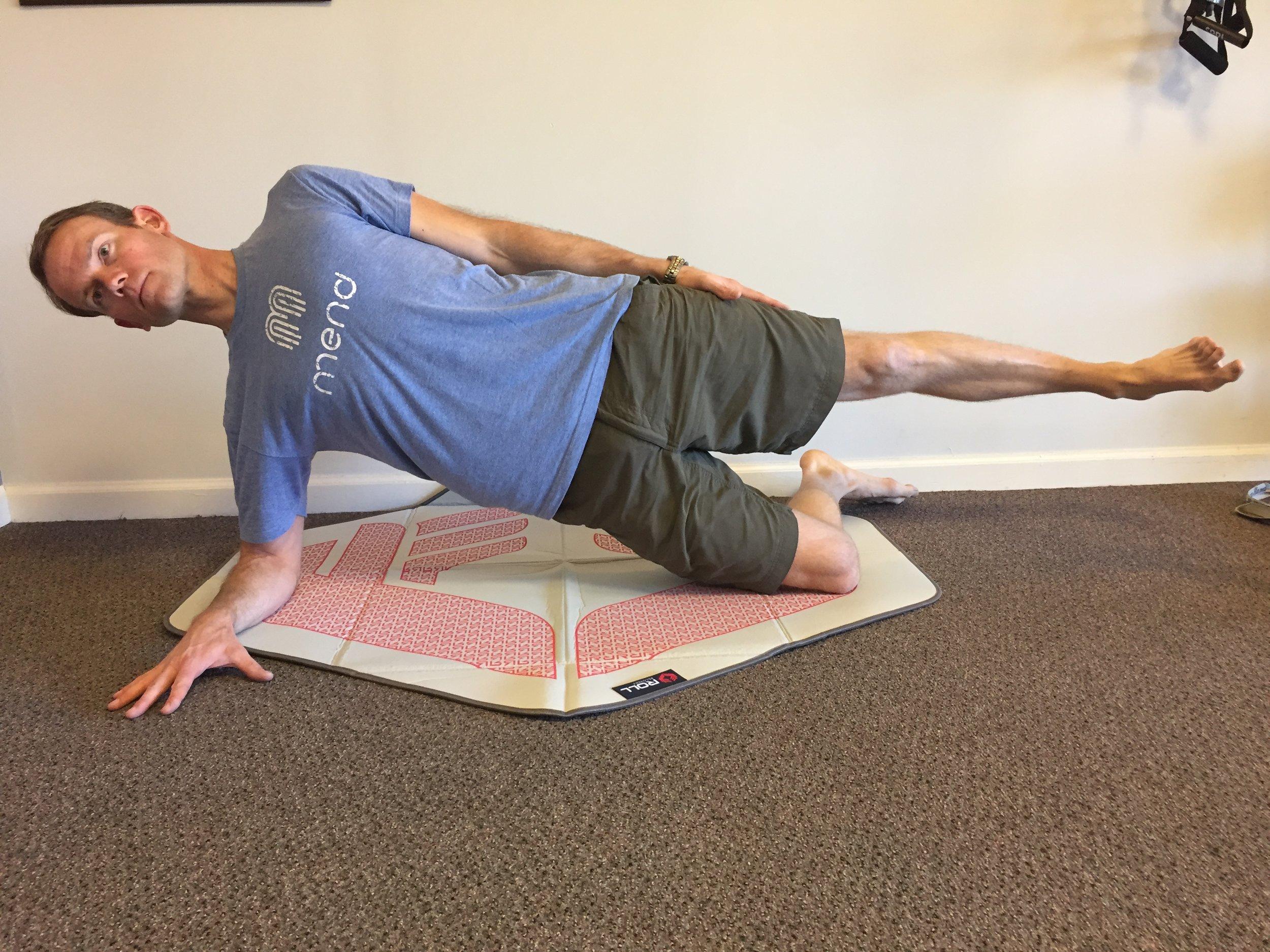 running-strength training-side plank