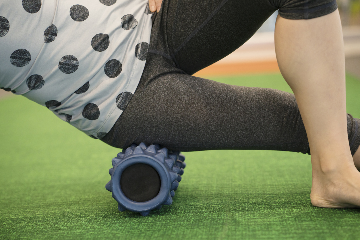 foam-rolling-IT-band-exercise