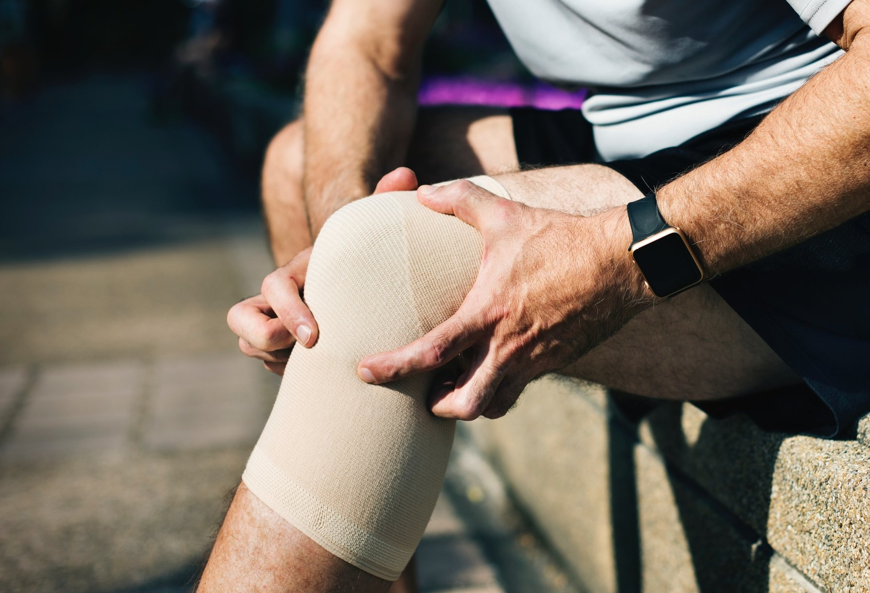 knee-tendonitis-tendinopathy-treatments-healing
