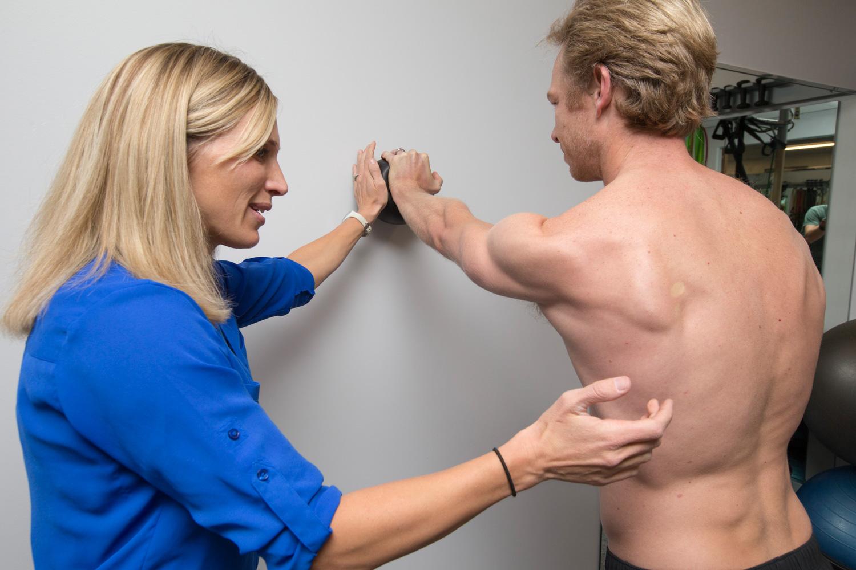 shoulder-pain-strengthening-exercise