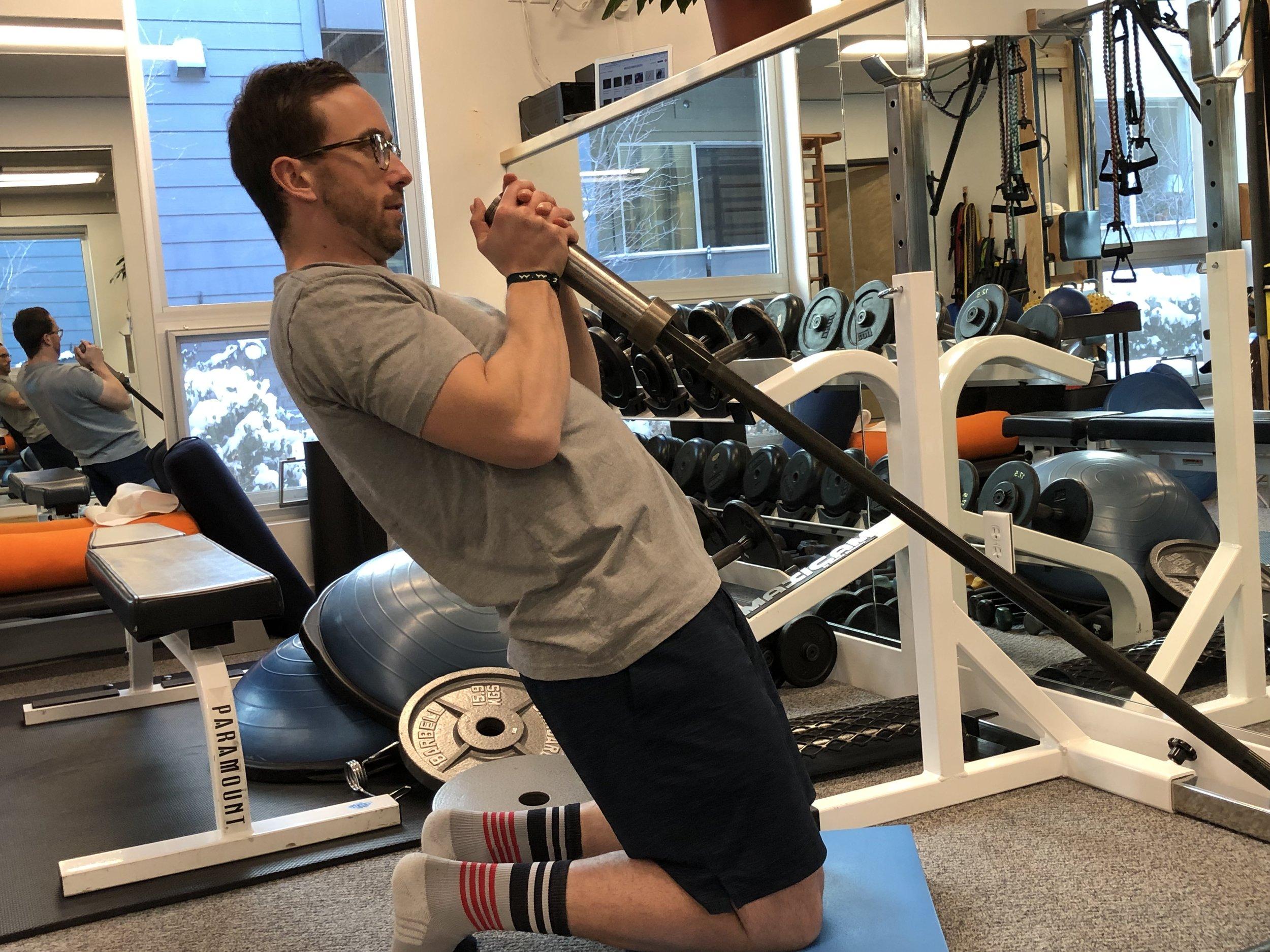 quadricep-nordic-exercise-quadricep-lengthening
