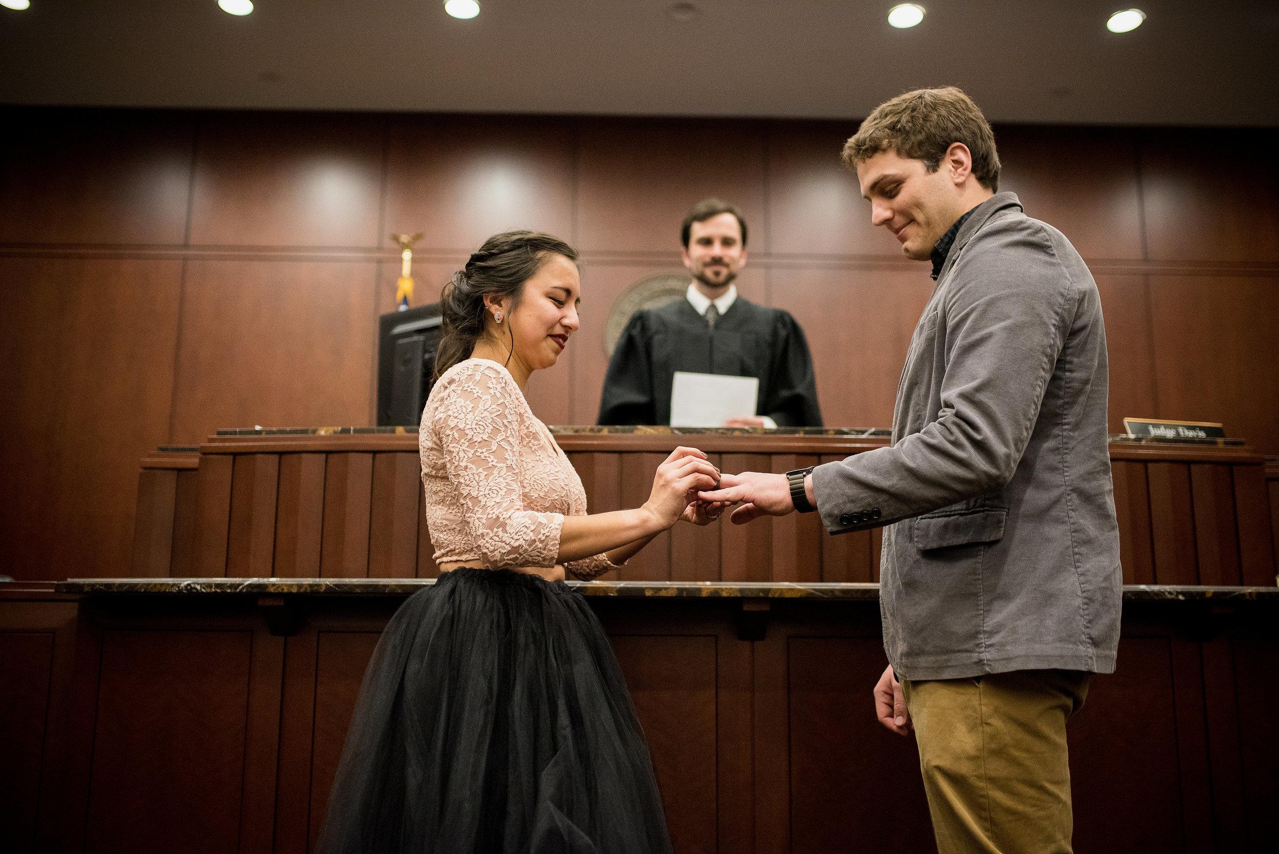 Raleigh Wedding Photographer - Raleigh courthouse wedding