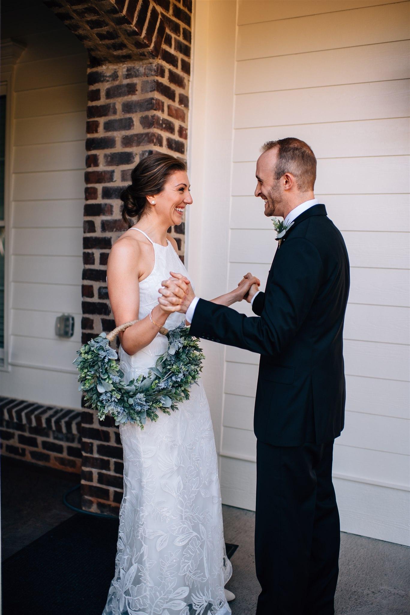 north carolina elopement photographer - north carolina wedding photographer - raleigh wedding photographer - oaks at salem elopement