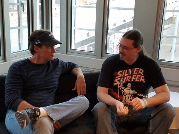 Kevin Sorbo & Neil Greenaway talking at Wizard World Des Moines 2016. (3)