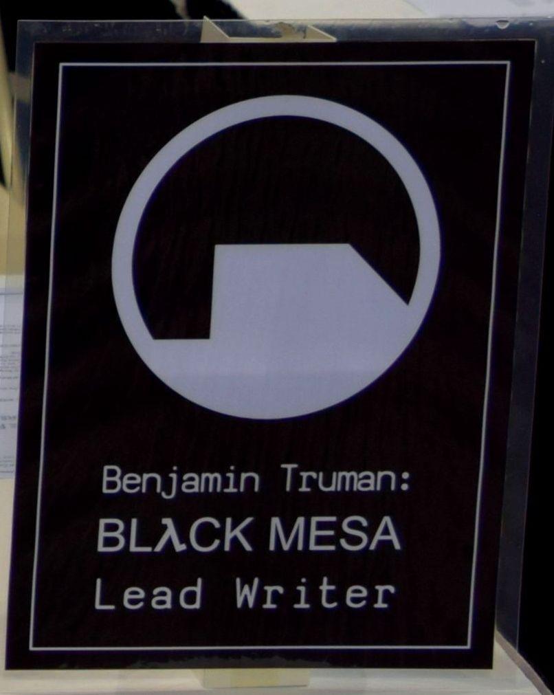 The Black Mesa sign at Denver Comic Con 2016.
