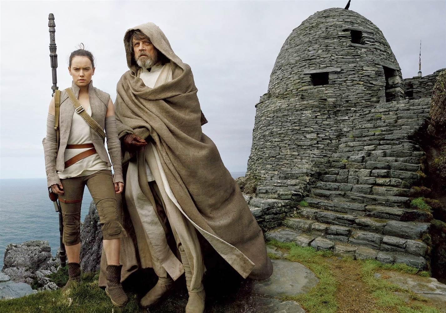 Rey & Luke Skywalker