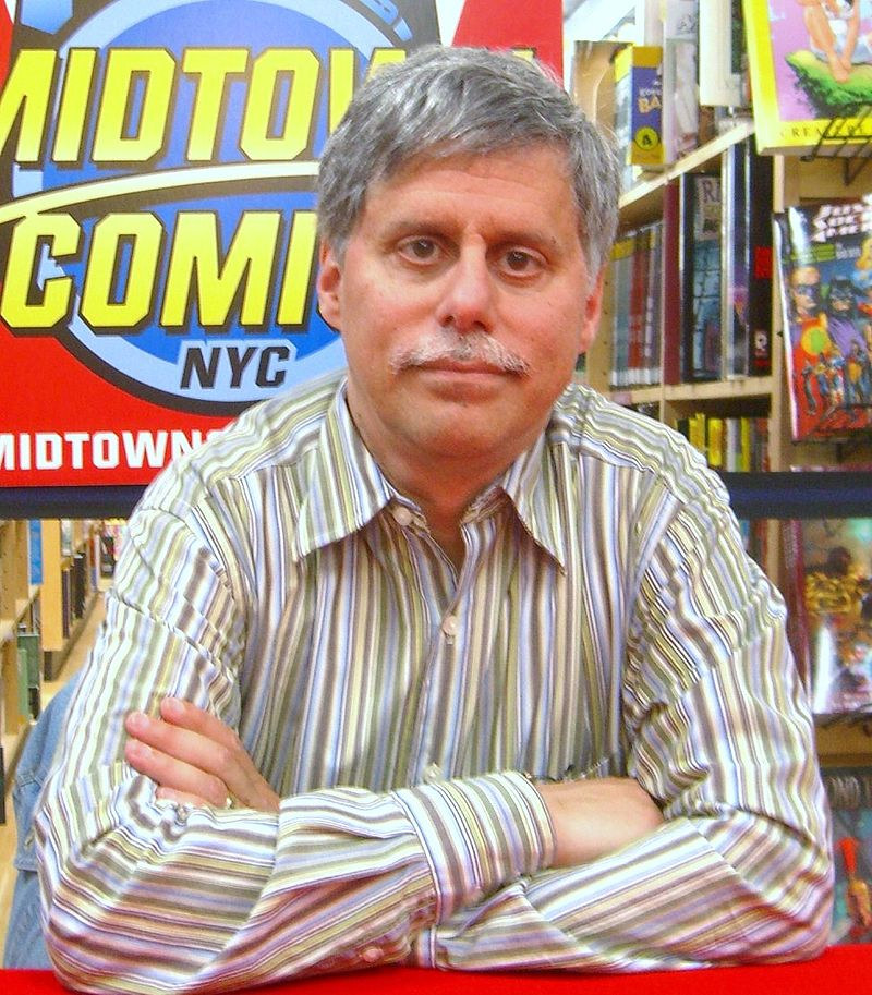 Paul Levitz in 2010 at a Midtown Comics signing.
