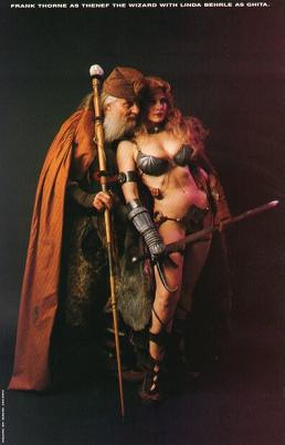 Frank Thorne (as the Wizard) poses with a  Ghita  cosplayer.